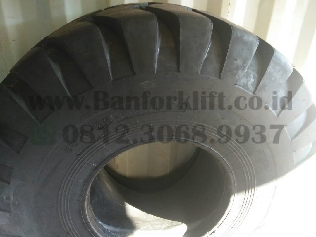 ban loader ukuran 23.5-25 20ply armour